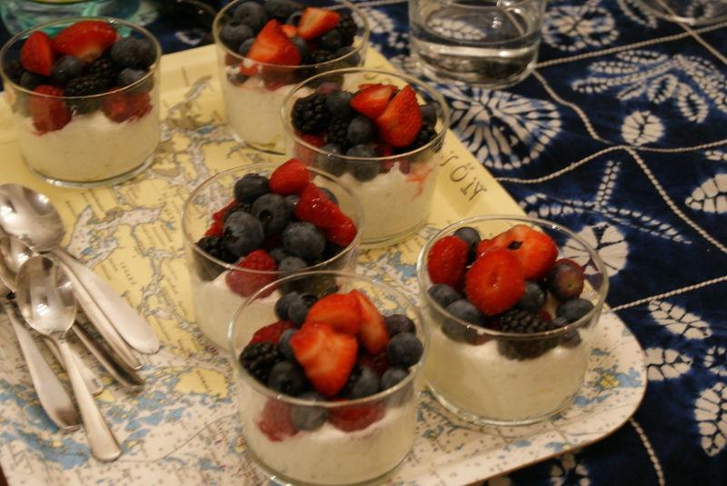 dessert au mascarpone et aux fruits frais annikapanika. Black Bedroom Furniture Sets. Home Design Ideas