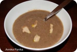 Soupe de champignons, marrons et foie gras