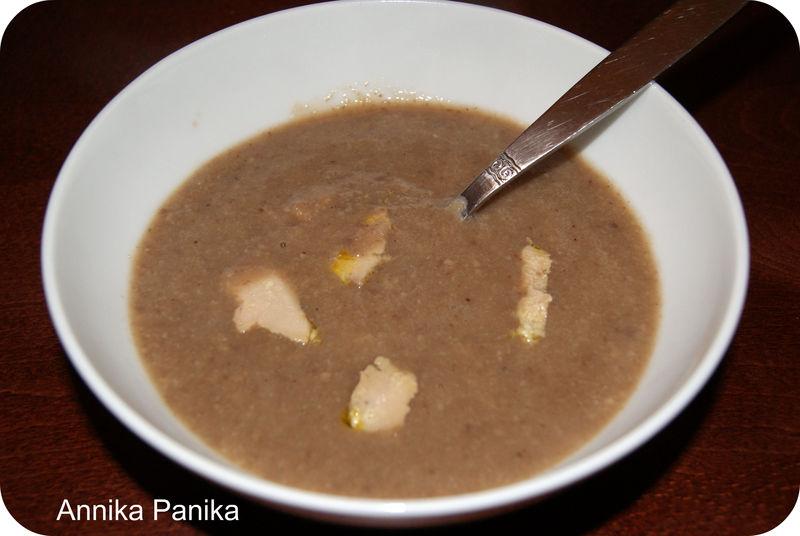 Soupe marrons champignons et foie gras